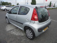 Peugeot 107 1.0 URBAN MOVE,5 Doors,Auxiliary Input,Air Conditioning,Fold Forward Rear Seats,Electric Windows,CD Radio,Low Mileage